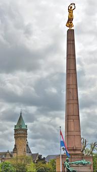 001-monument