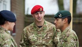 15-Brit-soldiers-police